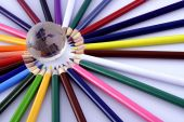 Multi barvy barevné tužky