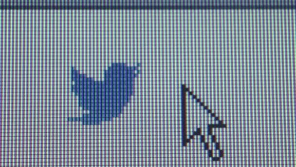 Sociální média makro zblízka: Ikona malé Twitter pták s ukazatelem