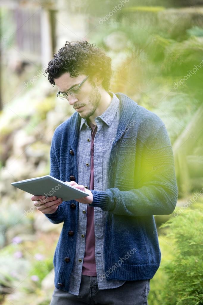 Analysing nature with digital tablet