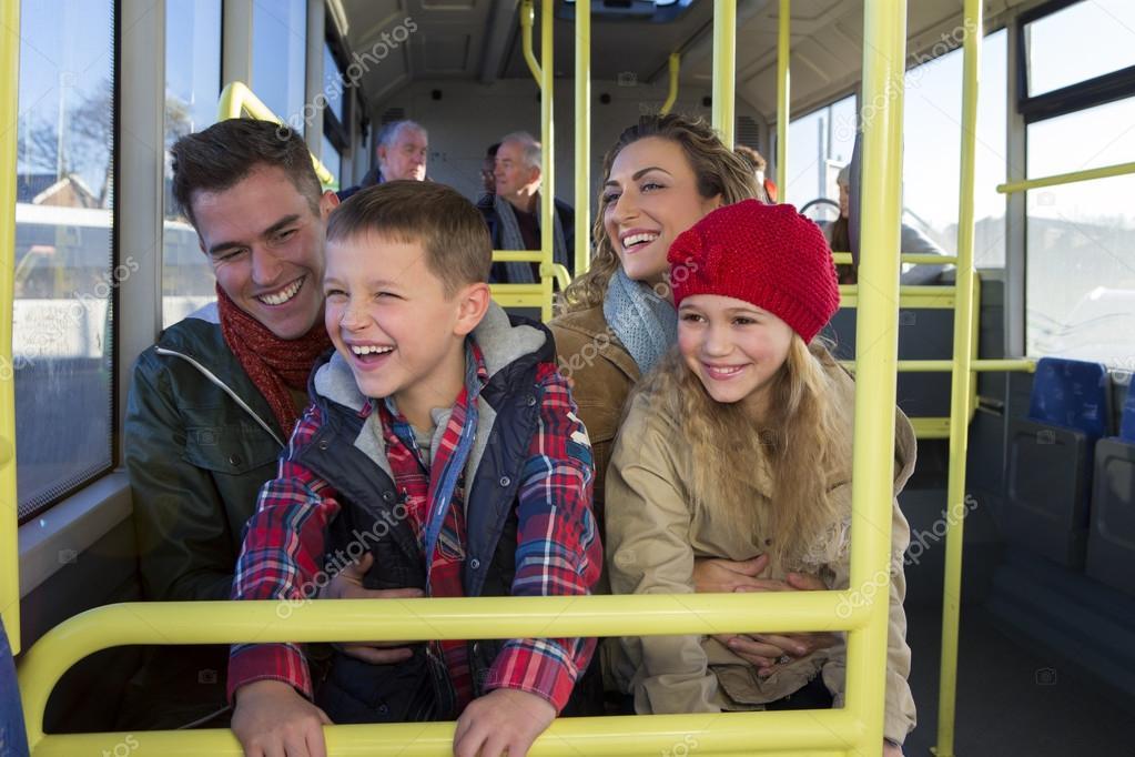 Resultado de imagen para reir dentro del bus