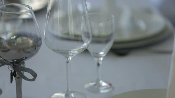 Natáčení elegantní stolní nádobí