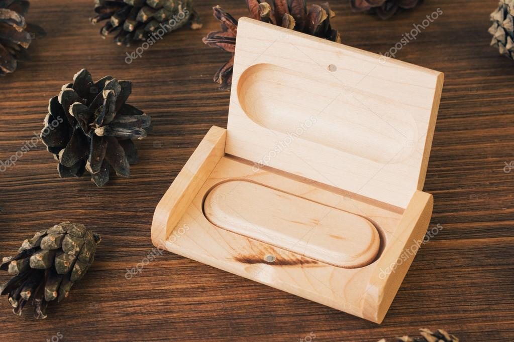 Scatola di legno per USB e foto 17x26cm SOLO BOX