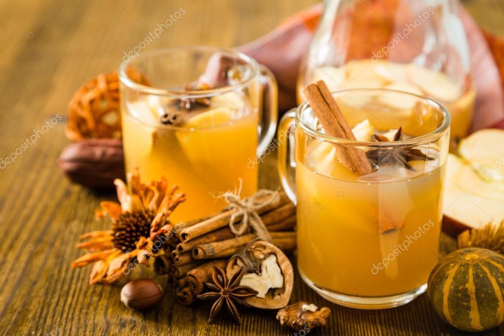 Apple and cinnamon cider