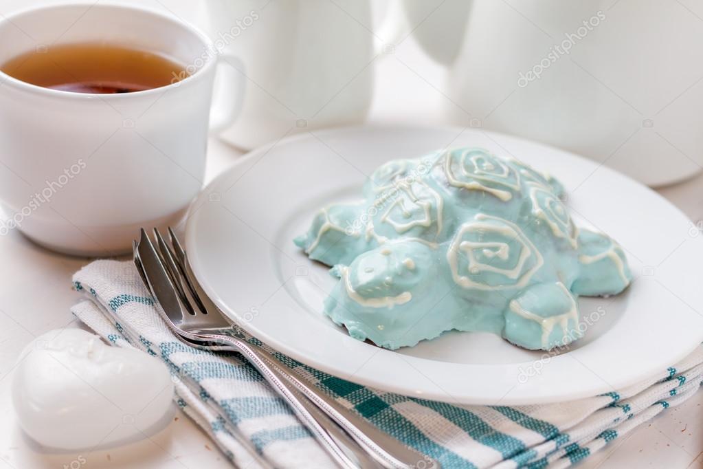 Turtle shaped cake Stock Photo anaumenko 84298654