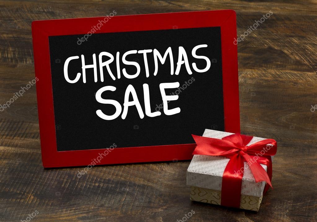 Weihnachten Verkauf Holzrahmen Tafel mit Geschenkpaket — Stockfoto ...