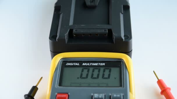 Measuring DC voltage of the battery.