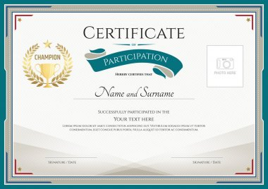 Certificate of participation template with green broder, gold trophy, champion wreath and photo space