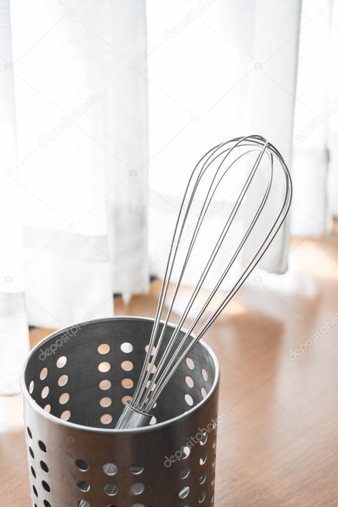 Edelstahl Küchengeräte für Hausmannskost — Stockfoto © wayfarerlife ...