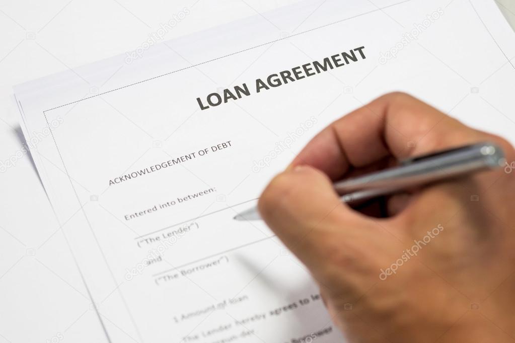 Einem Darlehen Vereinbarung Dokument schreiben — Stockfoto ...