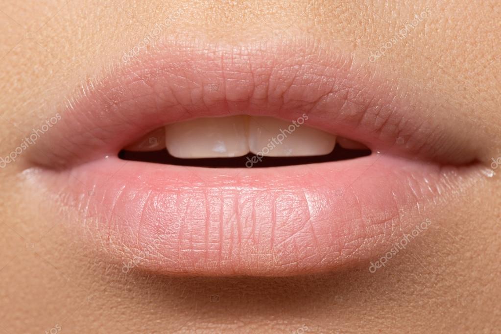 Vaak Vrouw natuurlijke volle lippen. Natuurlijke look. Make-up @PX17