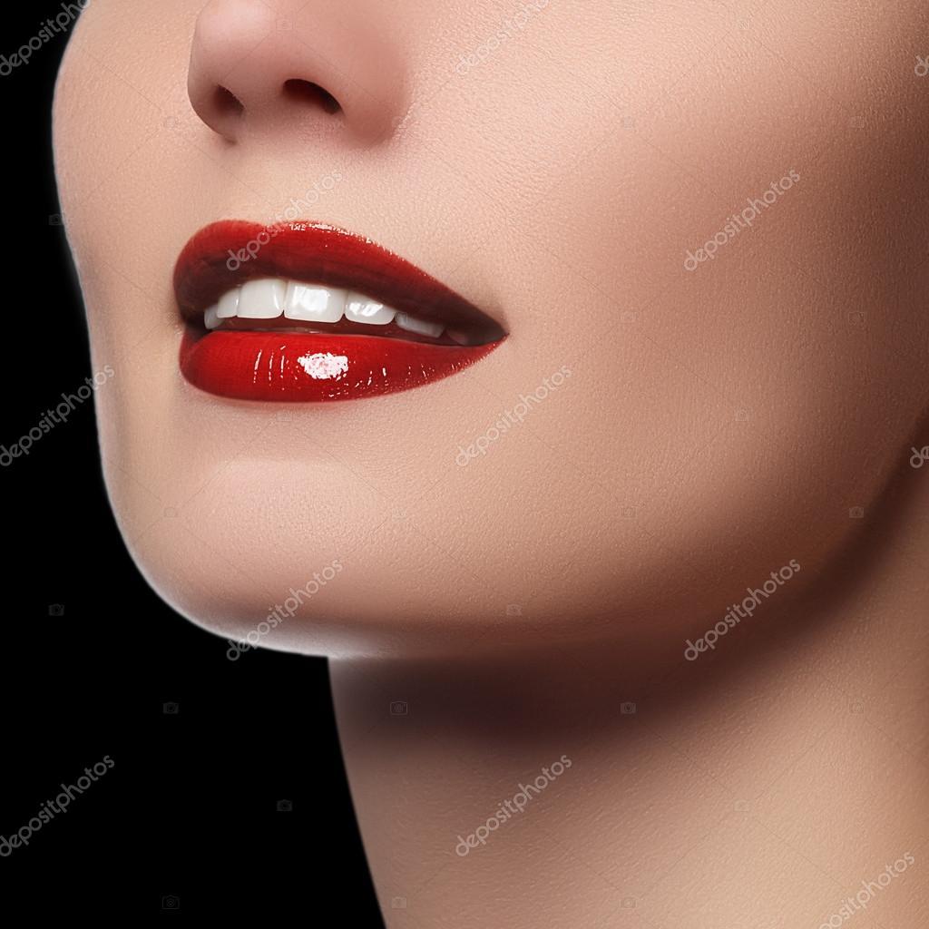 Sorriso Perfeito Com Dentes Brancos E Saudaveis E Labios Vermelhos