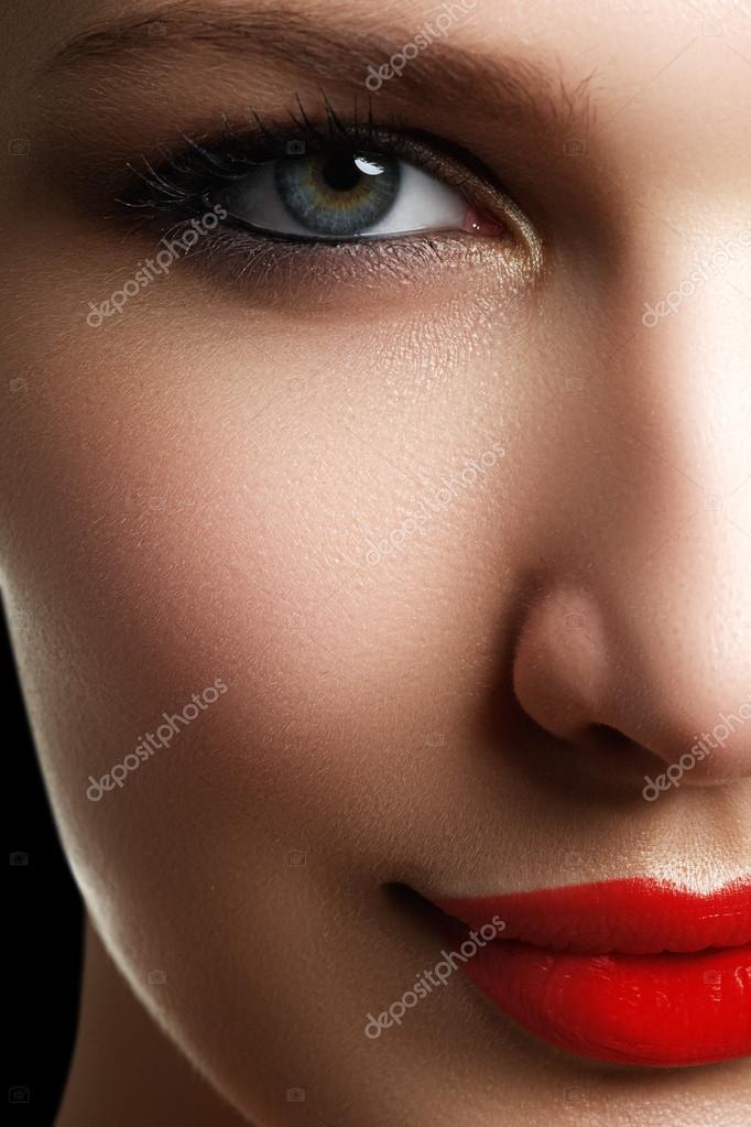 Schones Modell Frau Gesicht Mit Blauen Augen Und Perfektes Make Up