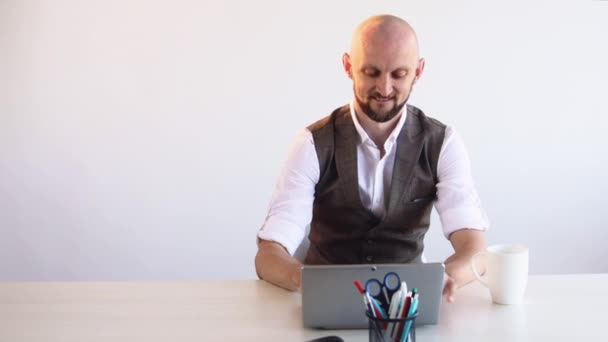 online chat virtuális kommunikáció kreatív író