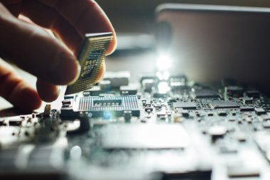 Installation of processor in CPU socket