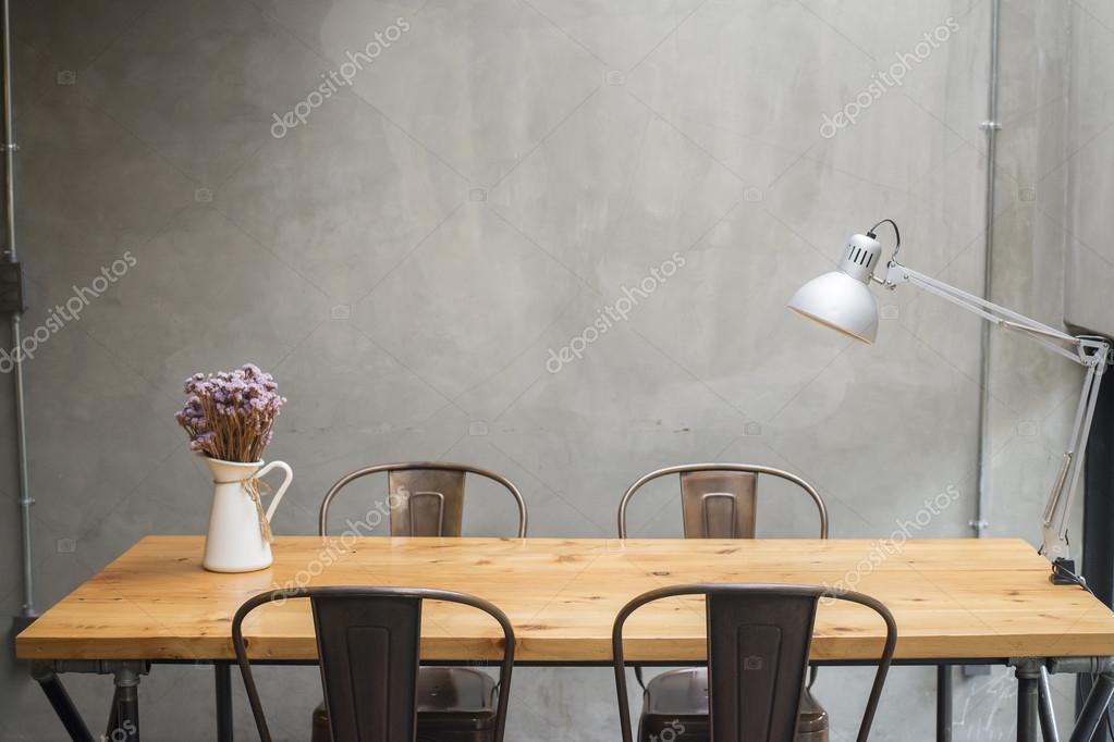 Moderne schreibtische mit betonmauer u2014 stockfoto © tonefotografia