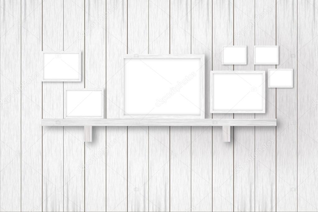 Fondo madera blanco con los marcos blancos, decoración de interiores ...