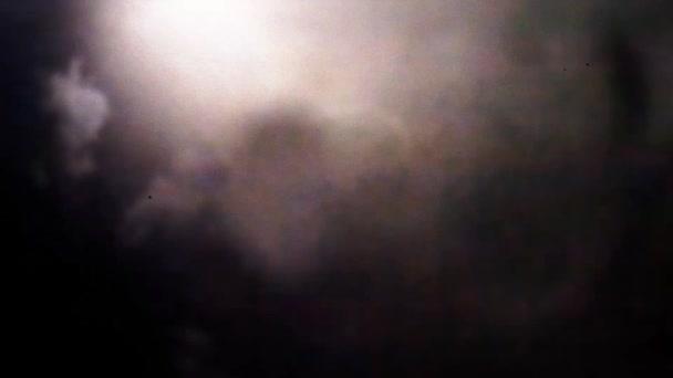 Skutečné blesky v zatažené obloze
