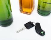 alkohol und auto schlüssel