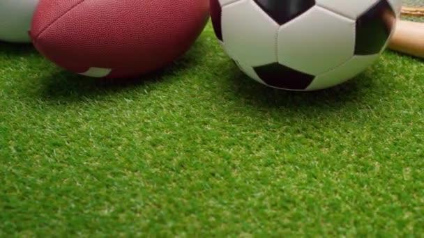 Amerikai focilabda és focilabda füvön