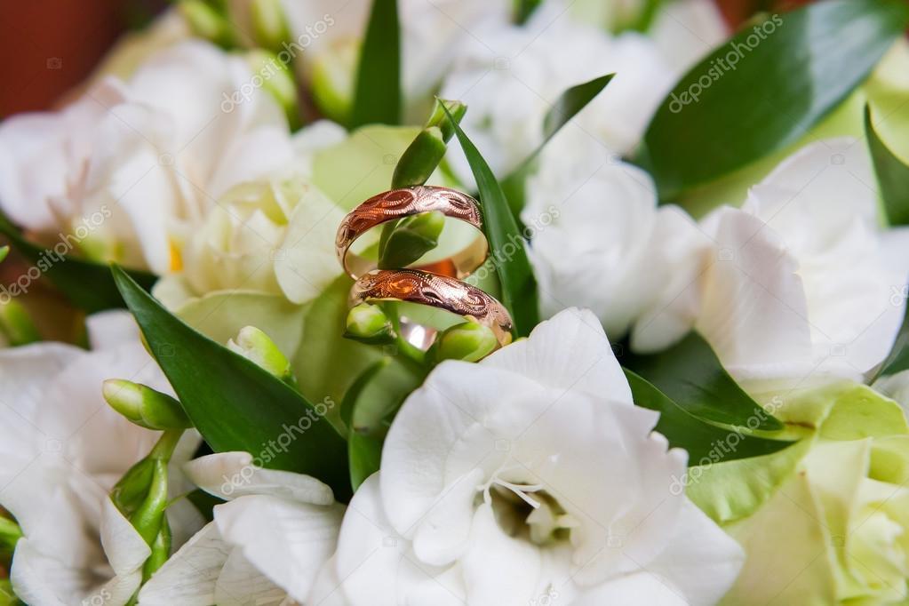 Goldene Hochzeit Ringe Mit Ornament Liegen Innerhalb Der