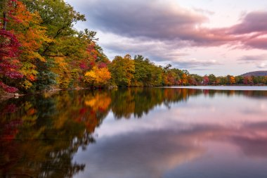 Fall foliage reflects in Hessian Lake