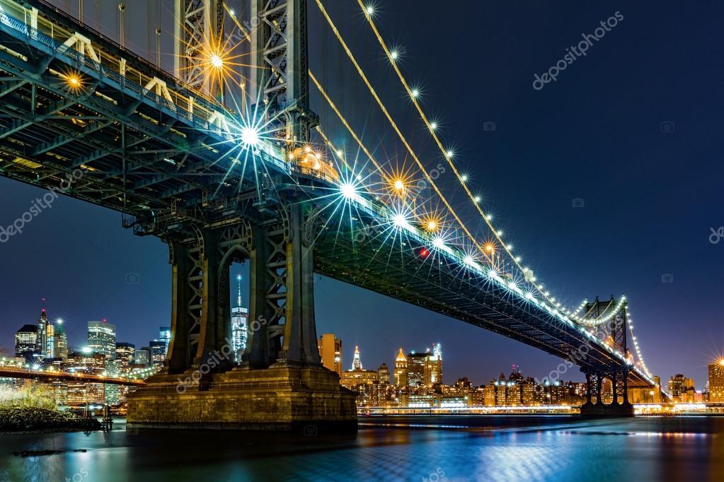 Manhattan Bridge framing Freedom Tower — Stock Photo © mandritoiu ...