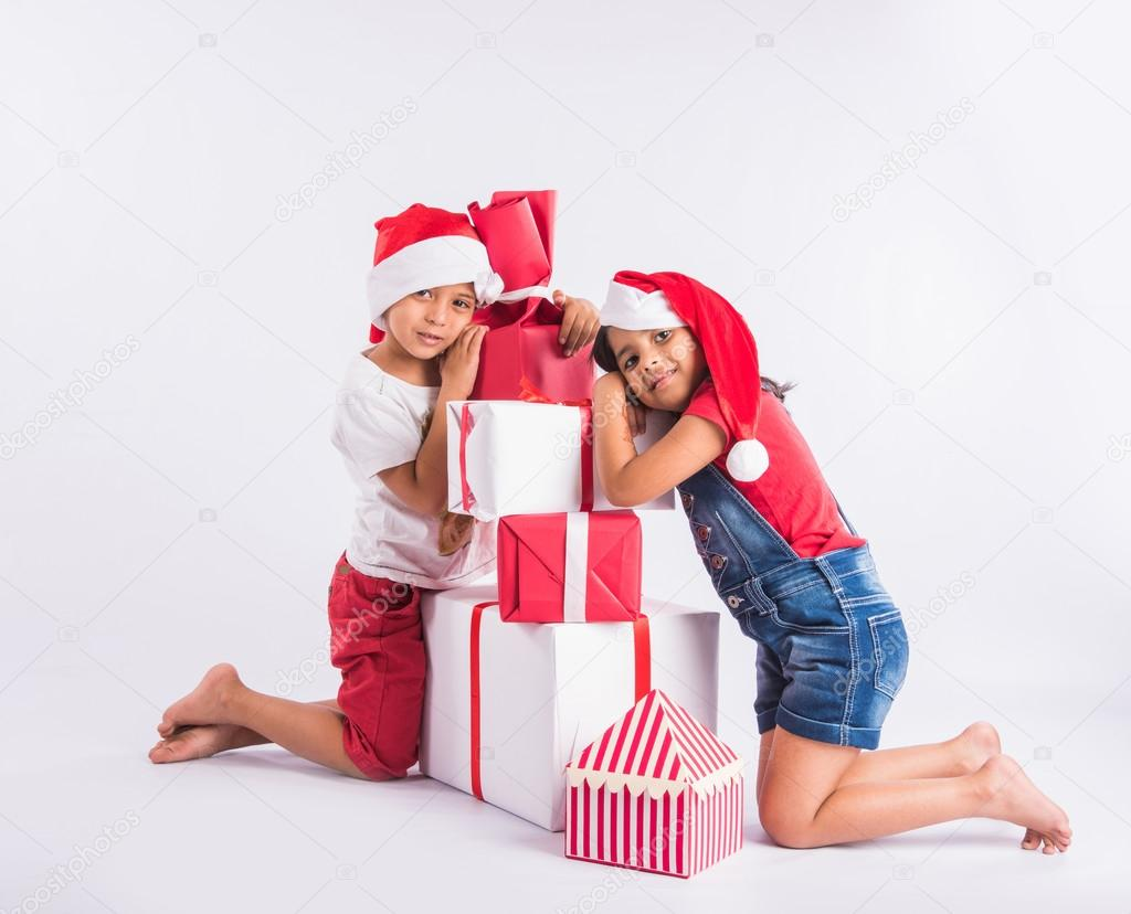 indian kids with christmas gifts, asian kids with christmas gifts ...