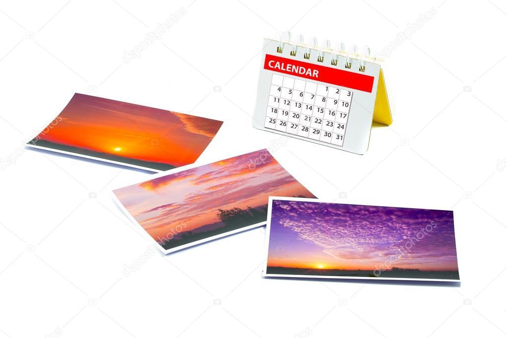 Calendario viajero con un collage de fotos instantáneas, foto ...