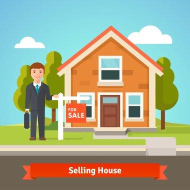 Real estate broker agent