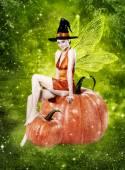 Szép nő, mint szexi halloween boszorkány