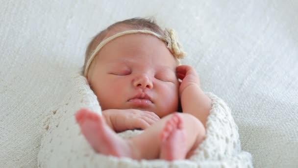 Niedliches Baby schläft