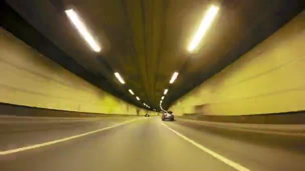 Rychle City Drive noční silniční tunel Pov