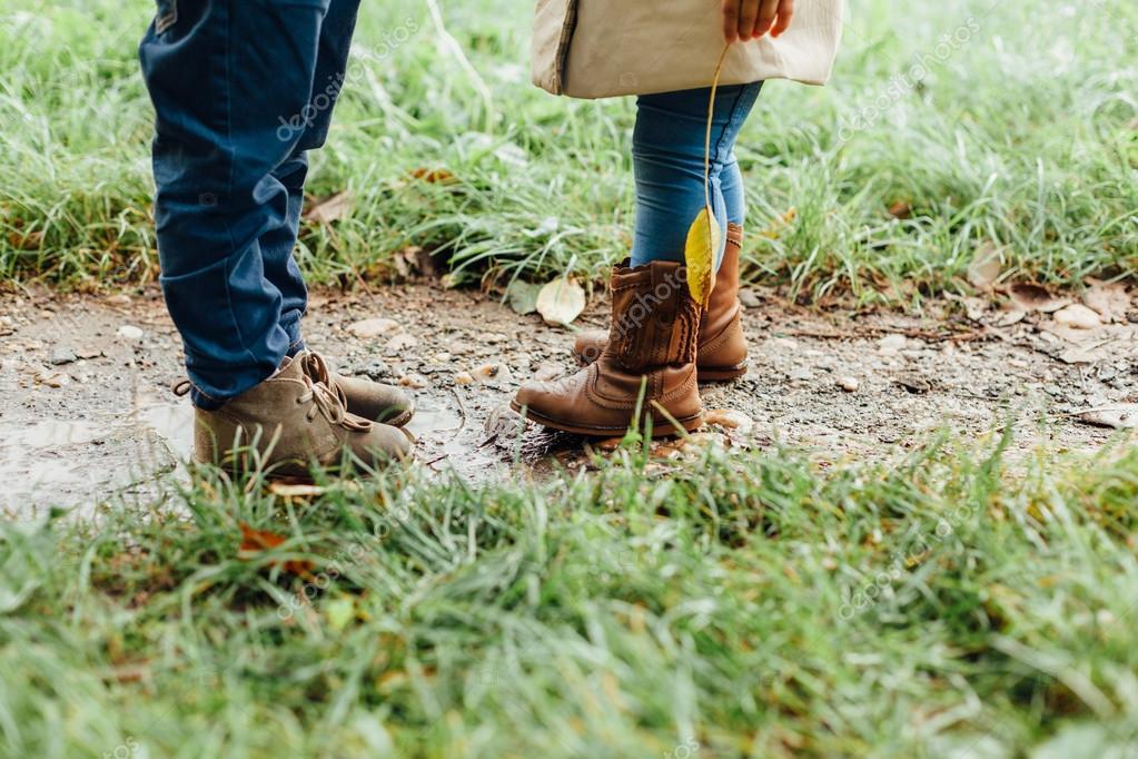 Kleine Schuhe Jungen Mädchen Mit Stiefel Und Im Matsch 45ARj3L