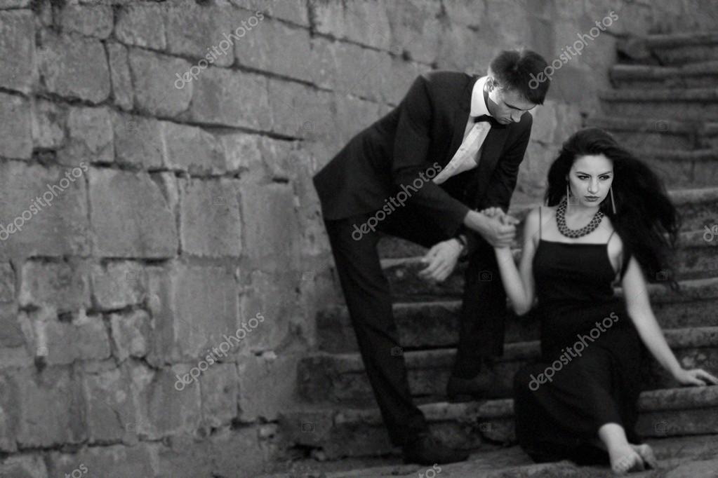 Pareja sensual en blanco y negro foto de stock - Fotos de parejas en blanco y negro ...