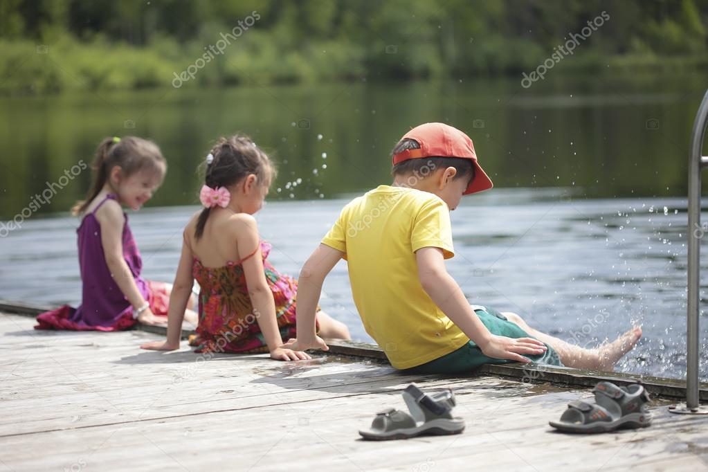 Resultado de imagem para lago e crianças