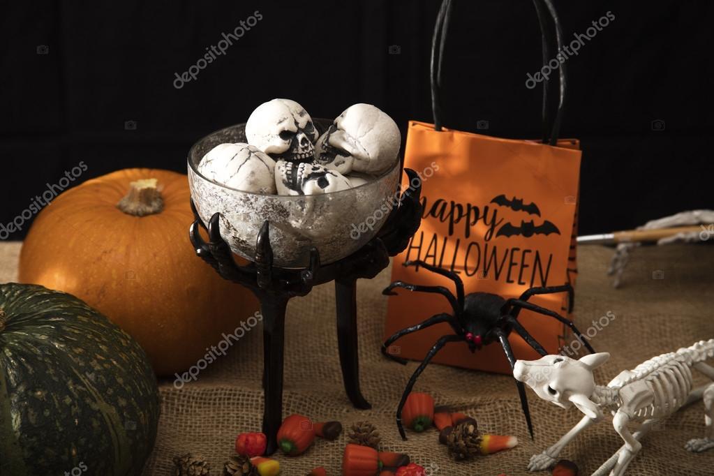 Halloween Traktaties.Halloween Traktaties En Versieringen Stockfoto