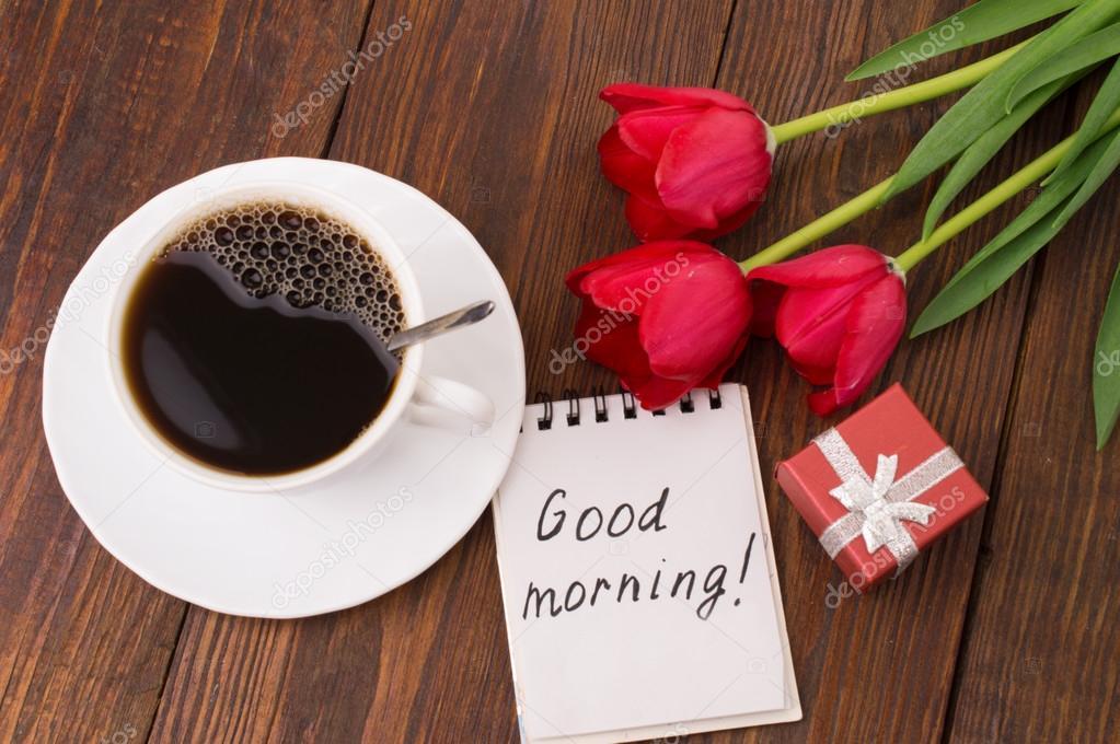 Tasse Kaffee Tulpen Und Guten Morgen Massage Stockfoto