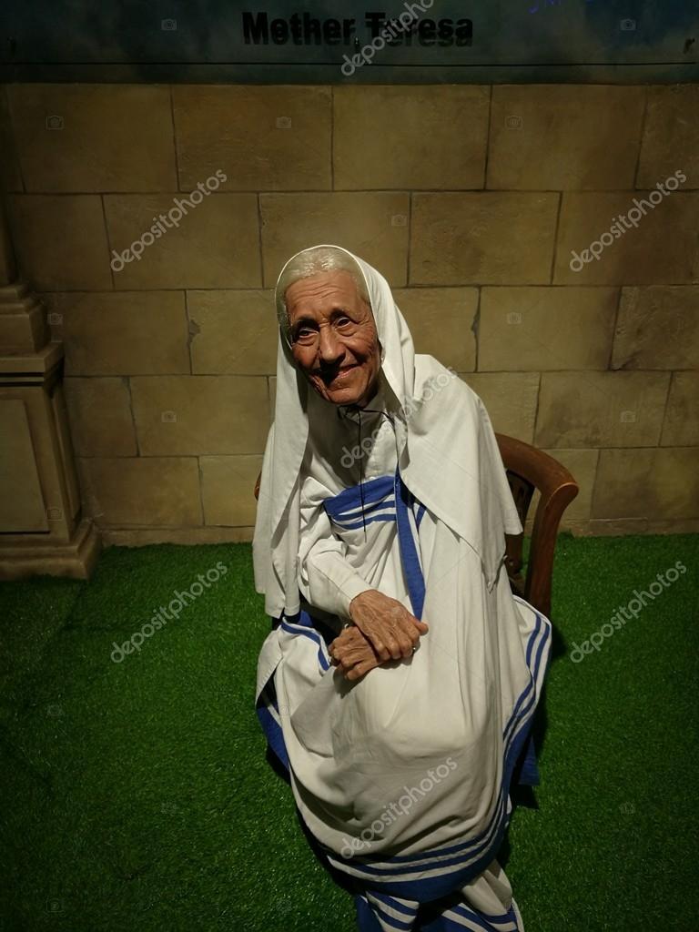 Mother Teresa wax statue
