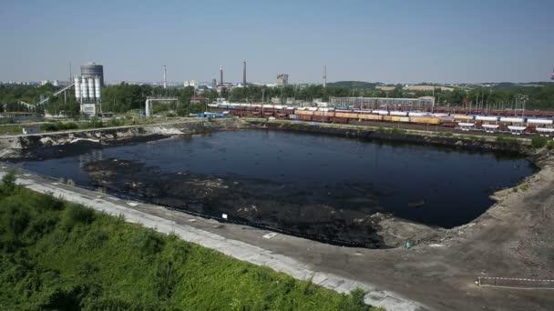 Ostrava, Česká republika - 3 srpna 2015: bývalé skládky toxického odpadu v Ostravě, ropné laguny Ostramo, Moravskoslezský Region, Evropa, Eu