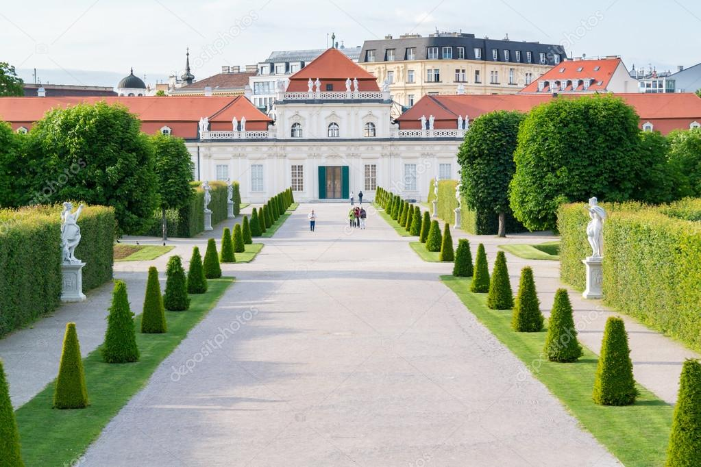 Gardens and Lower Belvedere Palace in Vienna, Austria – Stock ...