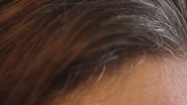 Šedivé vlasy hlavy