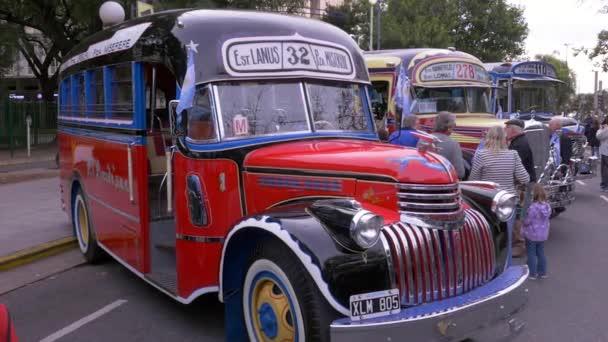 Klíčový model 1940s argentinských městských autobusů veřejné dopravy