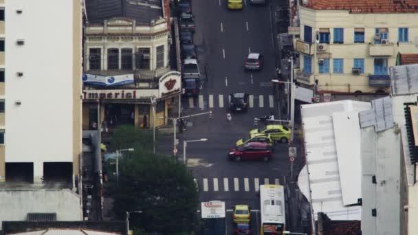 rušné křižovatce v Rio de Janeiru