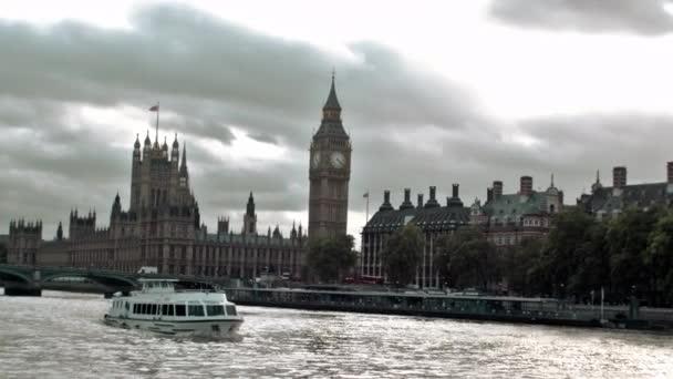 Řeka Temže s Big Ben v Londýně