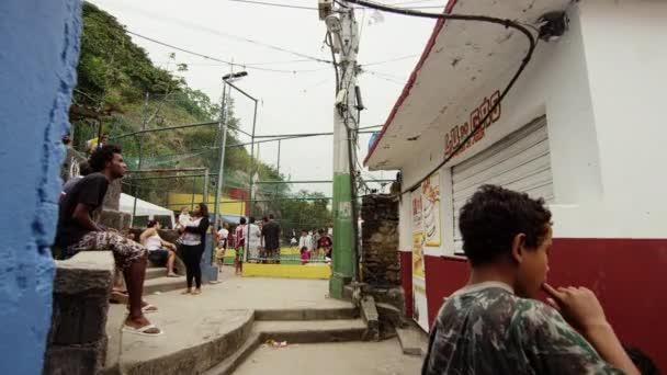 Pomalé dolly, zastřelili v favela v Riu, Brazílie