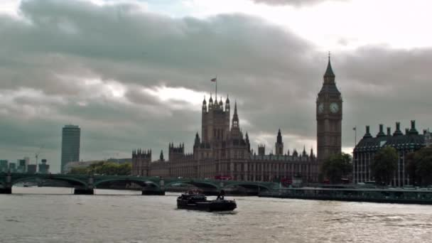 Thames river with Big Ben in London