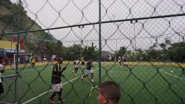 Zpomalený pohyb pánve mužů fotbalový zápas v Riu, Brazílie