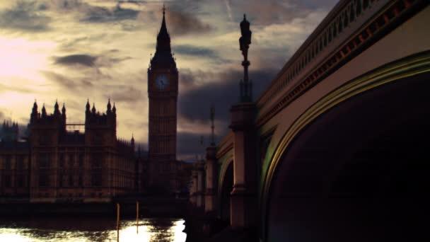 Westminster, Big Ben and Thames at dusk