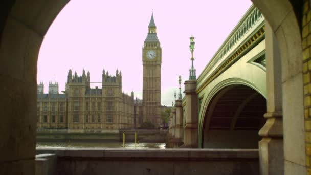 Westminster, Thames and Big Ben from a tunnel