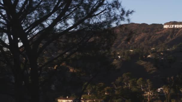 Nápis Hollywood v Kalifornii.
